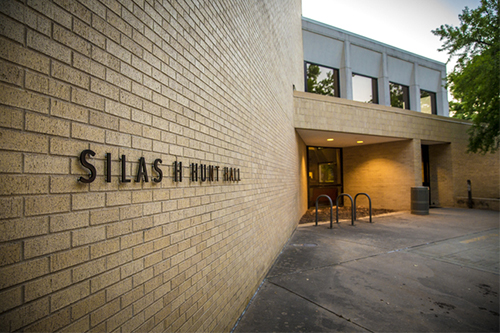 Exterior of the Silas Hunt financial aid building